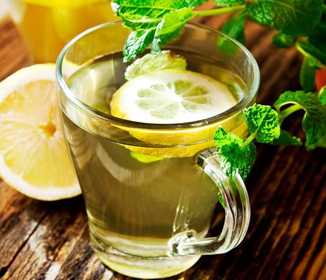 Come Dimagrire Velocemente | Acqua calda al limone